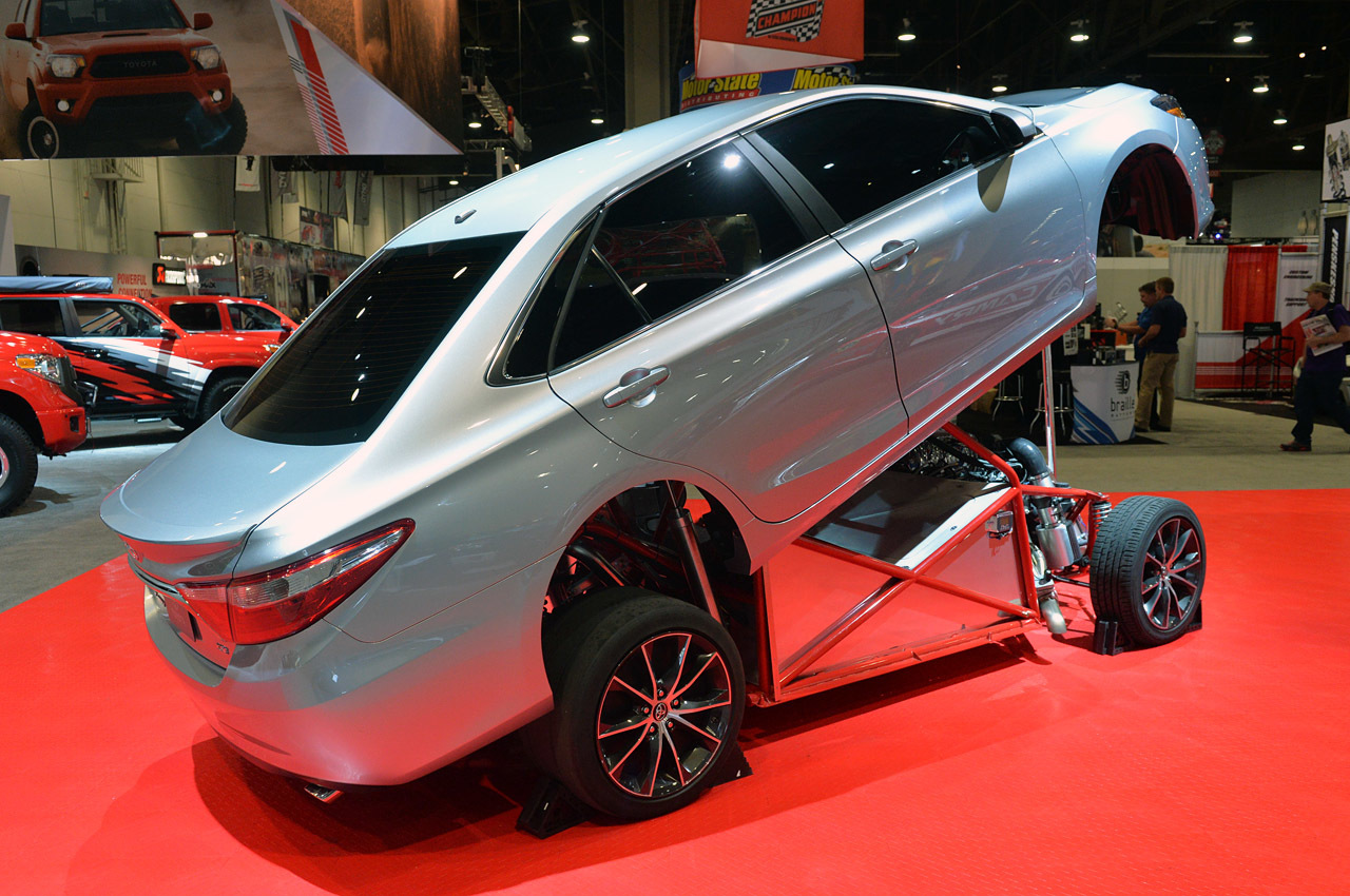 04-toyota-camry-dragster-sema-1