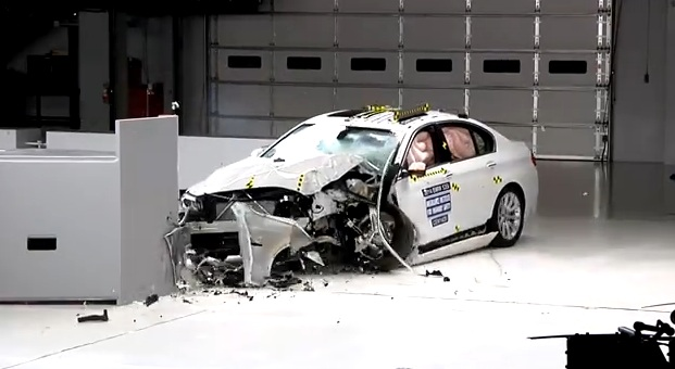 BMW 5 crash test