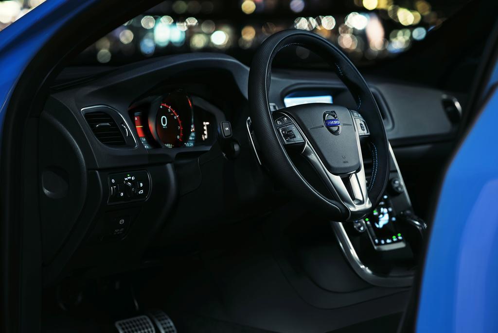 Volvo-V60-Polestar-Interior-1