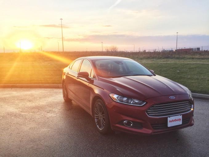 2015-Ford-Fusion-SE-1