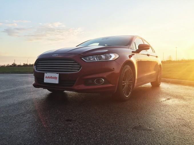 2015-Ford-Fusion-SE-9