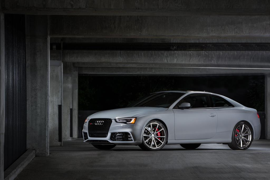 audi-rs-5-coupe-sport-edition-02