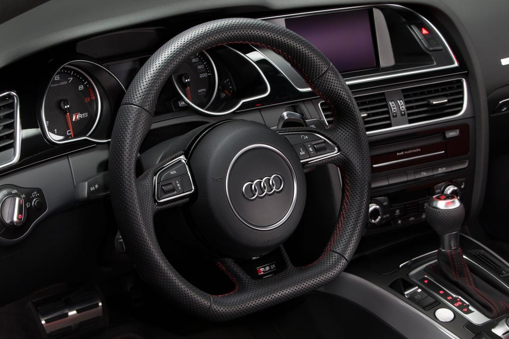 audi-rs-5-coupe-sport-edition-03