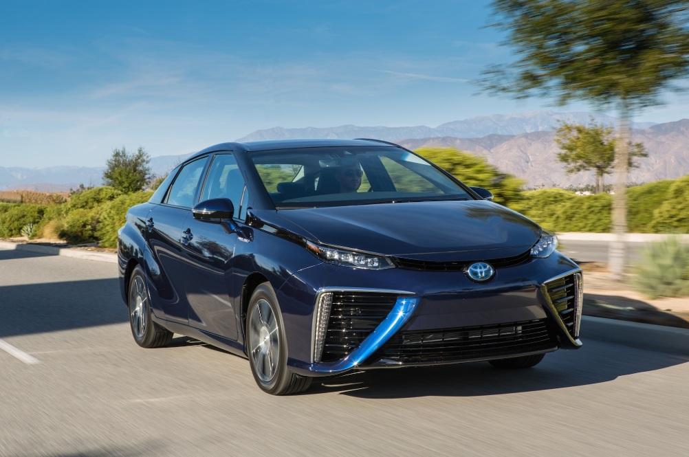 Автомобиль Toyota Mirai - заказы превысили производство