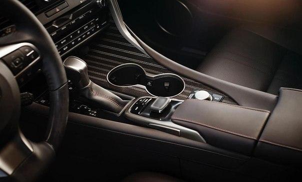 Lexus RX 2016salon1